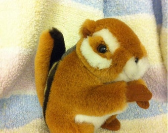 Plush Stuffed Animal Chipmunk Toy by TMC/Soundprints 1995 made in Thailand