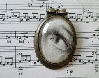 large Eye miniature brooch