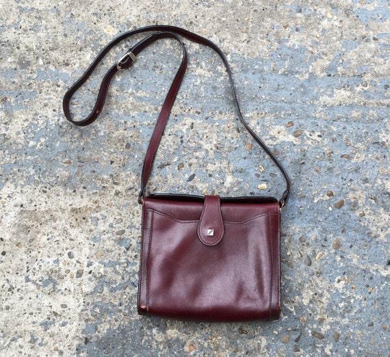 chestnut leather shoulder bag