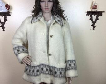 SALE Vintage 70s Icelandic Coat Ivory wool creamy soft 1970s outerwear Reykja