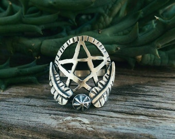 The Pentagram Garden ring sz 8