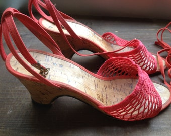Italian Shoes, Size 35, Petite Shoes, Red, Dress Shoes, Summer, Wedges, Mules