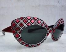 1950s High Winged Cat Eye Sunglasses France Pink & Black Diamonds Atomic Pin Up; FREE SHIPPING U.S.A.