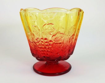 SALE! Vintage Jeanette Amberina Bowl/Ombre Red and Gold/Grapevine Scene