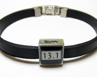 13.1 Mile Half Marathon Run Link With Choice Of Colored Band Charm Bracelet