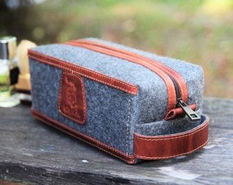 Groomsmen Gift/Felt & Waxed Cognac Brown Leather Men's Toiletry Bag /Leather Dopp Kit for Men/Mens Shaving Bag/Gift for Him /Personalization