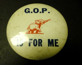 """Final Clearance  -G.O.P  is for Me  ~ 3 1/2"""" Political Pin"""