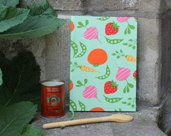 Mein Gemüsekochbuch, personalisierbar,  vegetarisches Kochbuch, Mein Kochbuch, Gemüse aus aller Welt, hellgrün mit buntem Gemüse