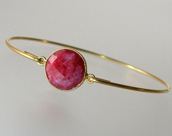 Ruby Gold Bangle Bracelet, Gold Bangle Bracelet, Gemstone Bracelet, Gemstone Bangle, Bezel Set Ruby, July Birthstone (Gm292G)