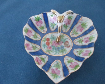 Vintage Floral Decorative Trinket Dish Vanity Heart Shaped Decor Display Dishes Dresser Decor Porcelain Trays Soap Dish