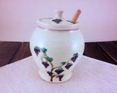 Grape hand painted Potter...