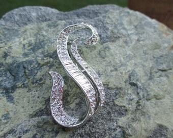 Rhinestone S-Shaped Brooch Pin