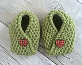 Newborn Girl Shoes, Baby Crib Shoes, Baby Girl Booties, Knitted Booties, Baby Essentials, Newborn Baby Girl Gift, Newborn Outfit Girl