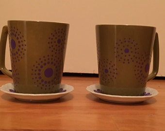 Reteo coffee mugs and saucers.