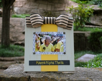Kappa Alpha Theta Large Bow Table Top Frame with Burlap Ribbon