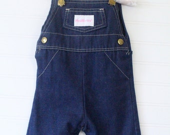 Vintage baby girl overalls. Blue jean overalls with Health-Tex patch on the chest. Health-Tex sz 3 mo
