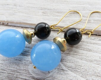 Blue jade earrings, black onyx earrings, drop earrings, dangle earrings, color block earrings, stone earrings, gemstone jewelry, gioielli