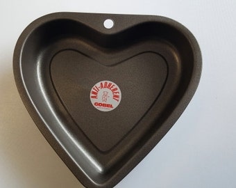 GOBEL of France Non-Stick Heart Shaped Cake Pan - 8-5/8 inches