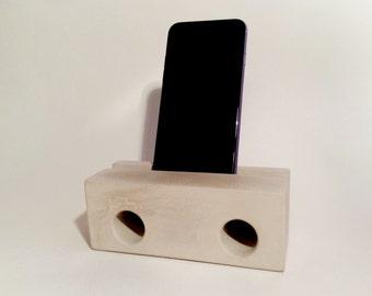 Lautsprecher aus Beton fürs iPhone