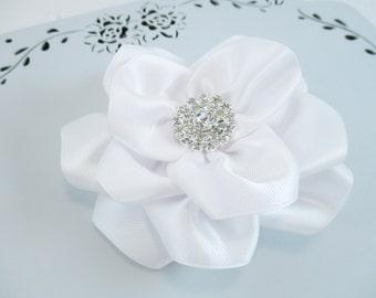 White Flower Hair Clip, White Wedding Flower, Rhinestone White Flower Clip, White Satin Flower Wedding Flower Girl Bow, Bridesmaid Hair Clip