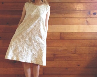a-line lace dress with pockets // self lined lace dress / white dress / bridesmaid dress / wedding dress / custom dress