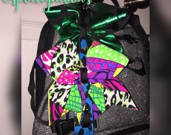 Mini cheer bow strap for backpack
