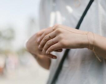 GOLD FINGER BRACELET // Gold slave bracelet  // 14k gold bracelet  // ring bracelet // delicate gold chain