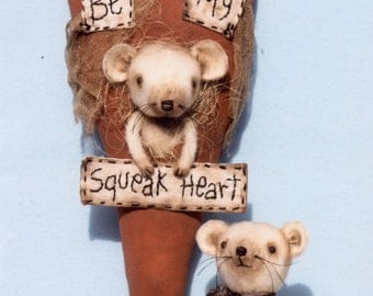 A Primitve E-PATTERN Be My Squeak Heart a Valentine sweetheart mouse