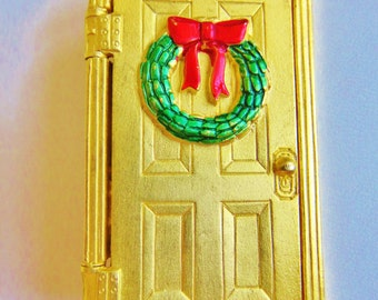 Hard To Find JJ Jonette Christmas Morning Surprise Brooch Pin