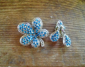 vintage brooch and clip on earrings..blue flower and drops