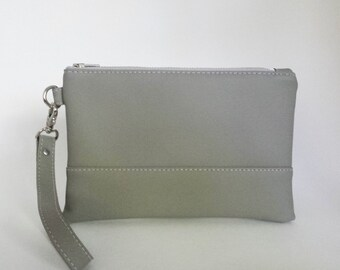 Faux Leather Wristlet, Gray Vegan Leather Wristlet, Light Gray Wristlet, Vegan Leather Bag, Small Gray Purse, Gift for Her, Cell Phone Purse