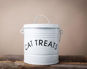 Cat Treats Can