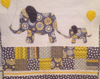 Elephants on Parade crib quilt! Q-0034