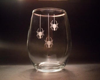 Spider Wine Glass - Halloween Wine Glasses - Spider Drinkware - Halloween Party Favors - Halloween Drinkware - Spider Decor - Etched Glass