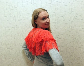Women's red knitted shawl / knitted shawl for women