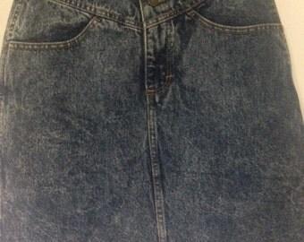 Vintage acid wash/stone wash high waisted denim skirt