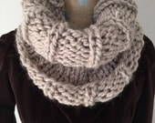 Women's super chunky knit alpaca blend cowl-taupe