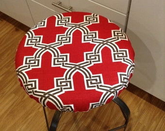 Quatrefoil print elasticized round barstool cover, seat cover, counter stool cover, Red white brown cotton slub, kitchen stool, washable