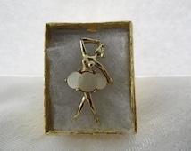 50s Jewelry Ballerina Brooch Gift Mother of Pearl Pin Mid Century Modern Jewelry Balerina Ballerina Jewelry Ballet Jewelry Figural Brooch