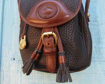 Dooney & Bourke ~ AWL ~ Duck Bag ~ Cross Body ~ Vintage ~ Recycled ~ Awesome Condition ~ Medium Size ~