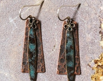 Hammered copper earrings dangle vintage