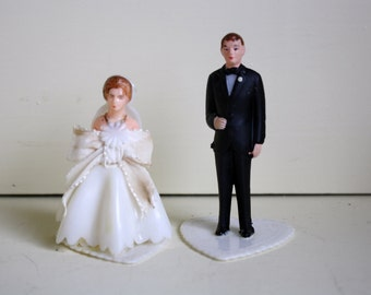 Wedding Cake Toppers Bride Groom Plastic Figurines