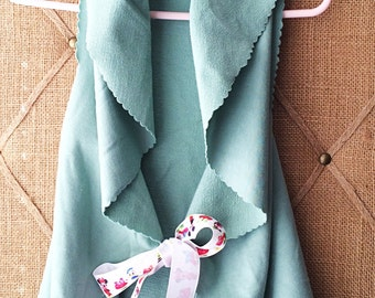 Girls French terry pastel green vest / Made to order