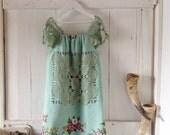 Children's Girls Aqua Native Flower Print Dress.Size 5 to 7.
