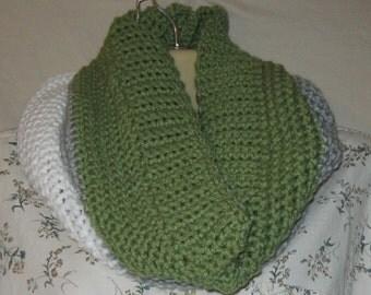 Womens cowl, crochet cowl, color block cowl, crochet scarf, handmade cowl, handmade scarf, chunky cowl, chunky scarf