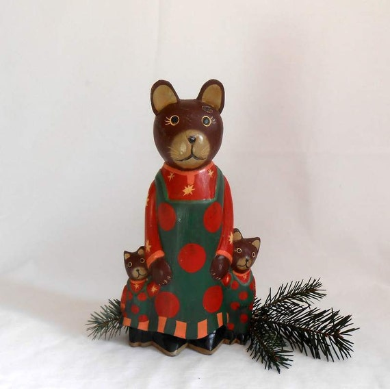 Wood Carved Mother Mouse and Kids Dressed For Christmas Handpainted Folk Art Farmhouse Decor