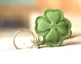 St Patrick's Day. Shamrock keychain. Green clover keychain.  Irish leather keychain. Irish clover. Green leather keychain. For her. For him.