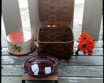 Vintage Basketville Pie Basket/Beachgoing Gear/Storage Basket/Sewing Basket/Park Lunch Basket/Best Gift idea/Scarf Storage/F1481