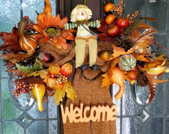 A Fall Welcome Spray for Your Door