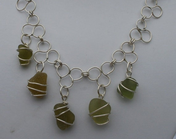 Trefoil Necklace (Pale Green) - Seaglass & Sterling Silver